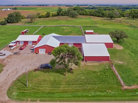 Faribault horse farm for sale with indoor riding arena